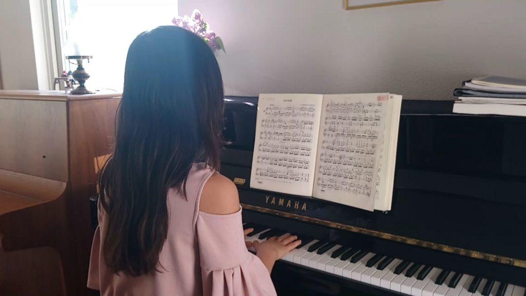 Alice Green spelar Sonat i G-moll av Beethoven, op 49 no 1 – Andante