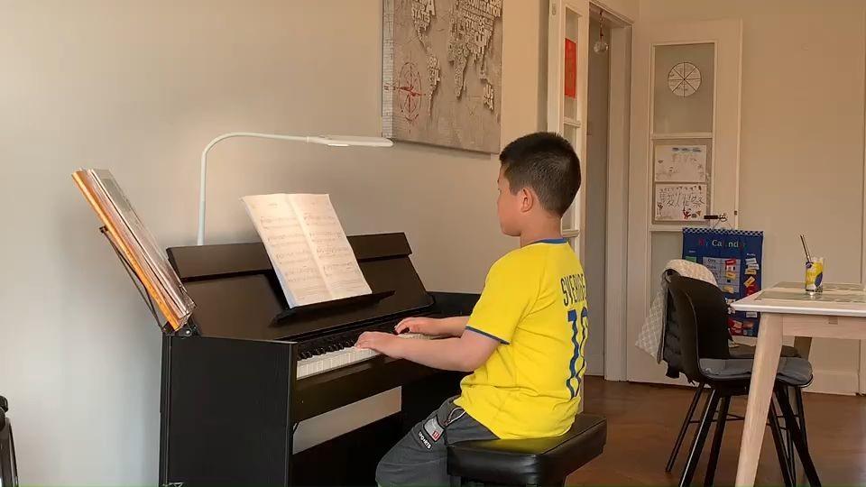 """Justin Tsai spelar """"Ja-Da"""" av Bob Carleton"""