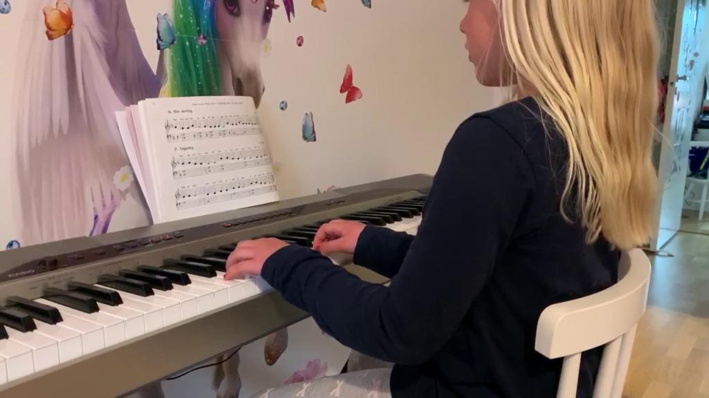 Lea Svedin spelar Vaggsång