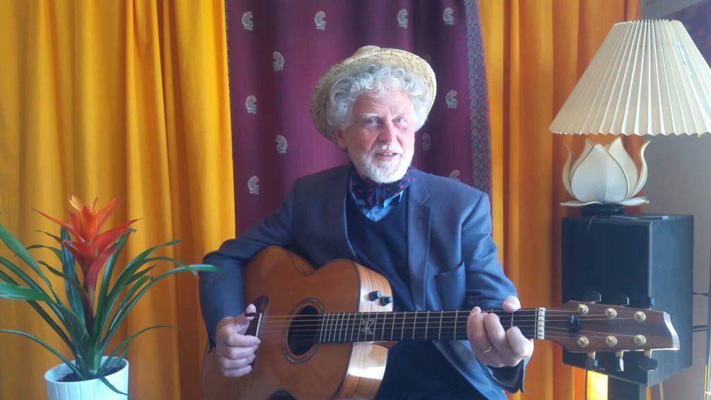 Thomas Wiehe sjunger och spelar en födelsedagshälsning